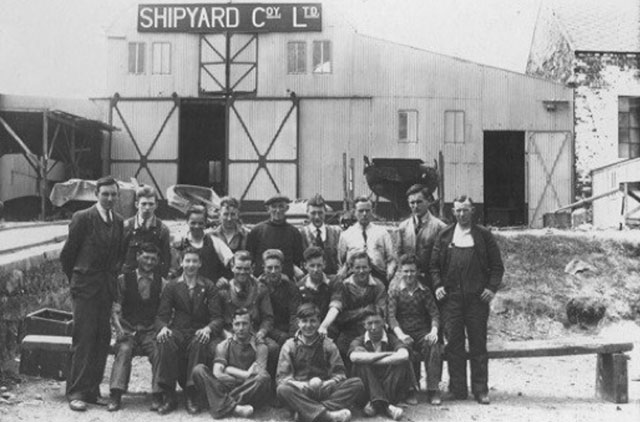 Shipyard Co Ltd staff in the 1920s